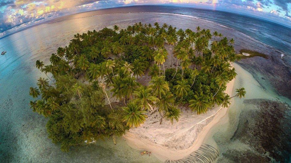 28. Tahaa's lagoon, Tahiti, French Polynesia