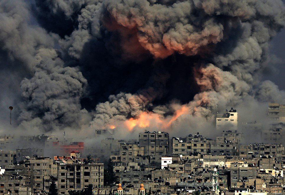 64. Smoke rises after Israeli air strikes in Gaza City - July 29, 2014.