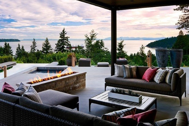 West Vancouver Residence by Claudia Leccacorvi  (1)