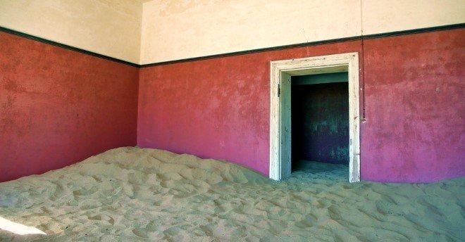 Kolmanskop, Namibia (1)