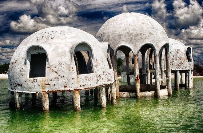 Mysterious Dome Houses (3)