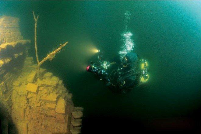 Underwater City, China (3)