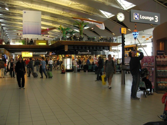 Amsterdam Schiphol Airport (AMS) (2)