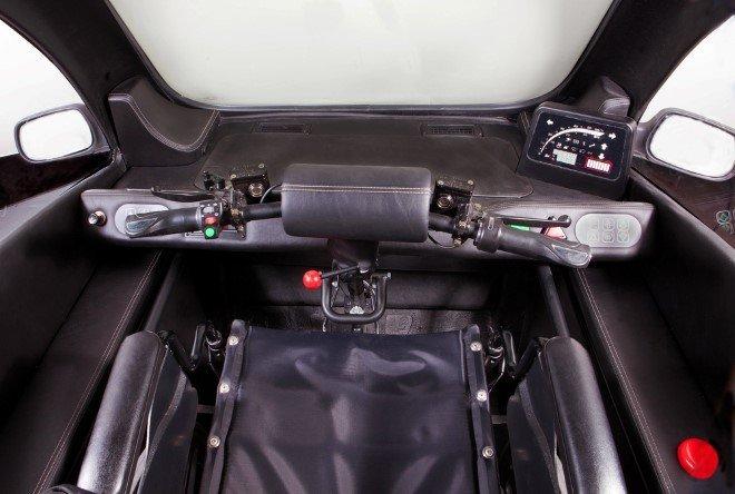 Kenguru seat-less electric hatchback (6)