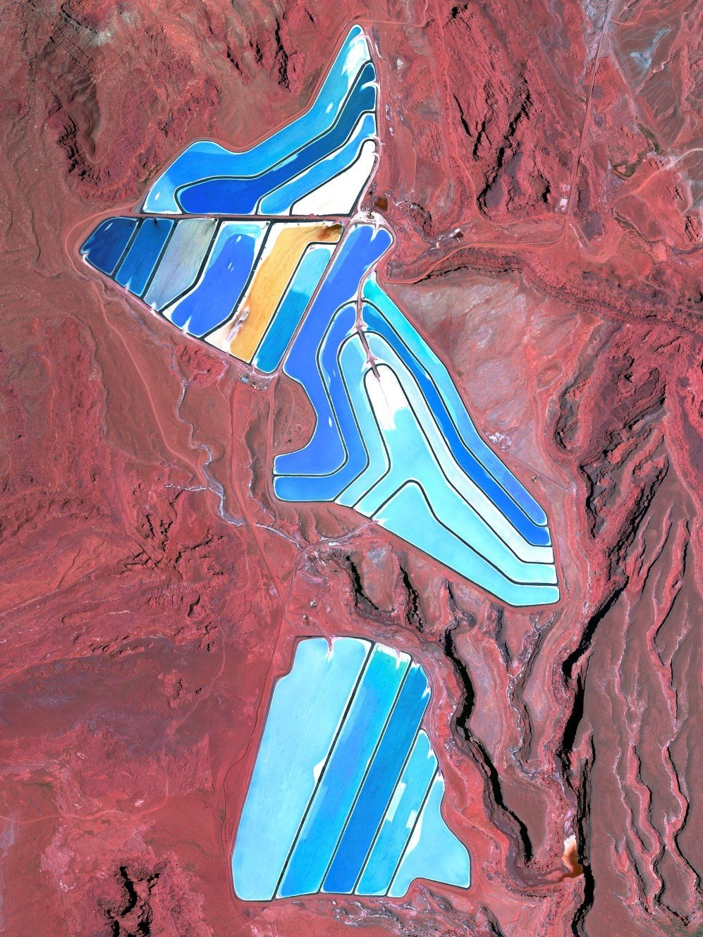 Evaporation ponds of Intrepid Potash mine