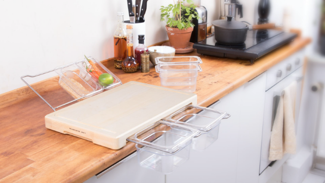 Luckily, Someone Finally Thought Of Upgrading The Conventional Design Of  The Chopping Board, Thanks To Frankfurter Brett For Restoring The Order In  The ...