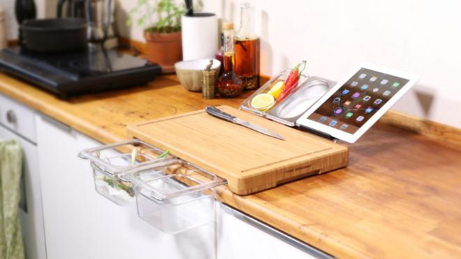 never let your kitchen mess up with frankfurter chopping board. Black Bedroom Furniture Sets. Home Design Ideas