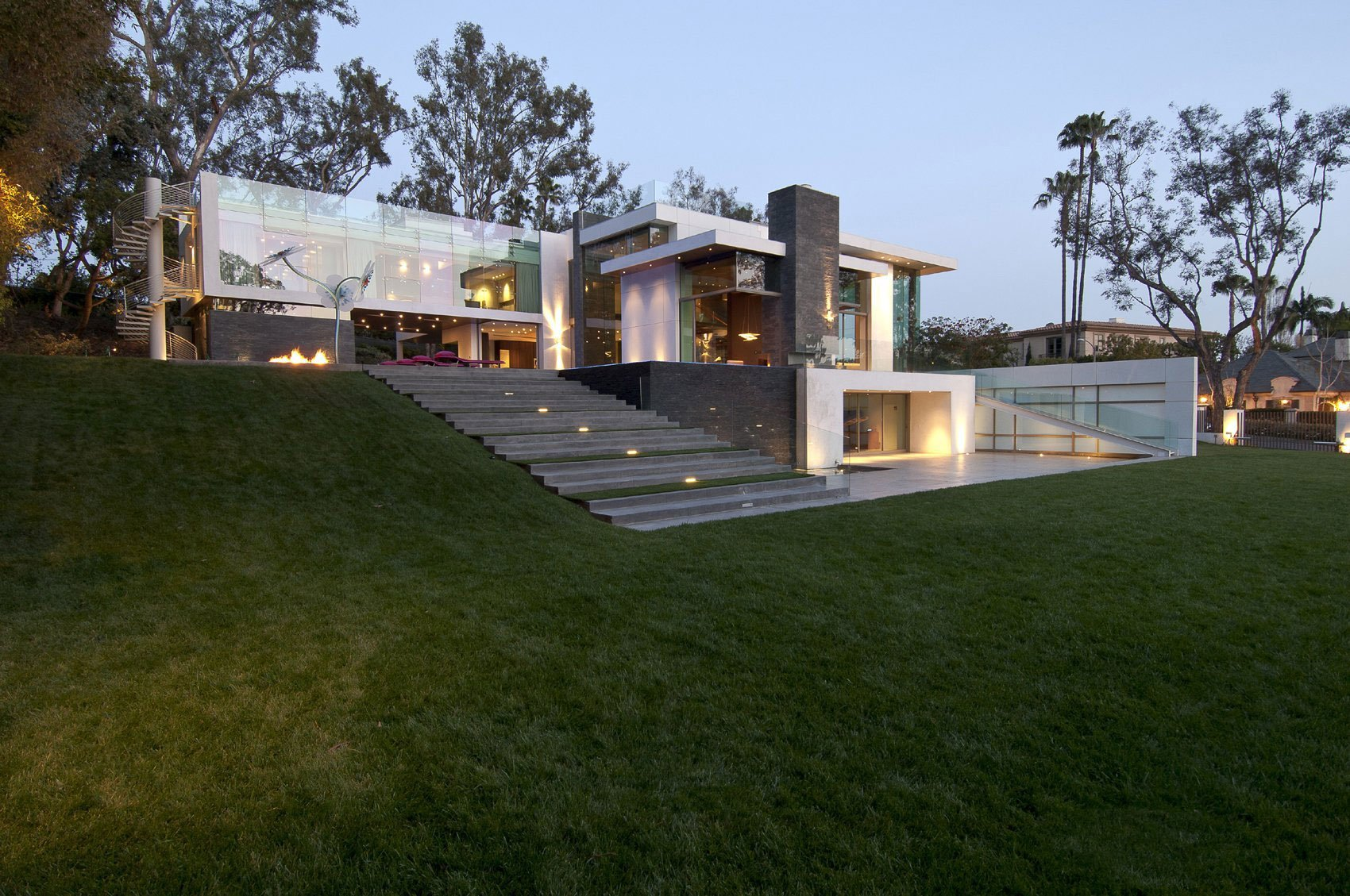 The Best 3D House at Beverly Hills (1)