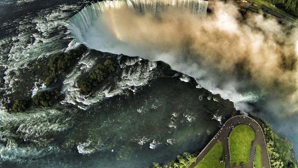 21. Right above the Niagara Falls, Canada