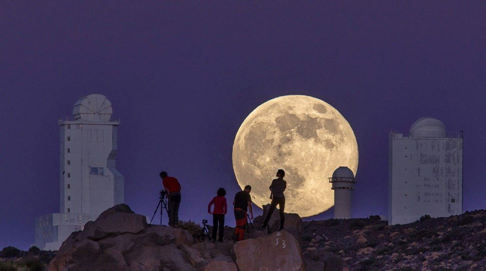 A view of the Supermoon in the Canary Islands