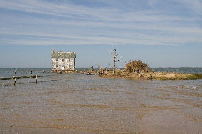 Last House On Holland Island (1)