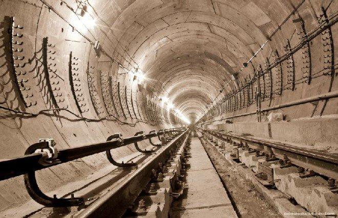 Subway Tunnel, Ukraine (1)