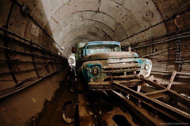 Subway Tunnel, Ukraine (3)