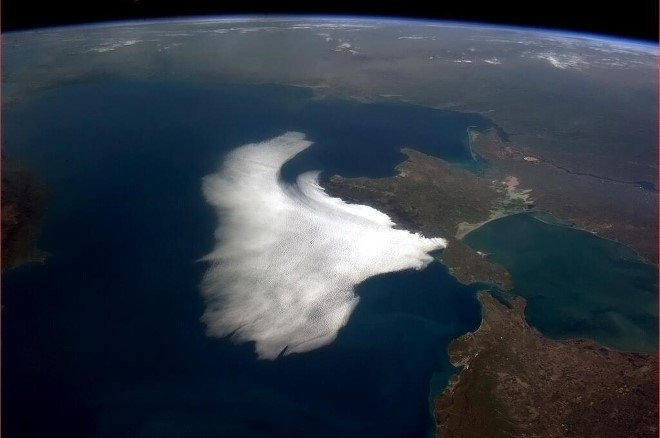 Incredible Space Photography by Chris Hadfield (6)
