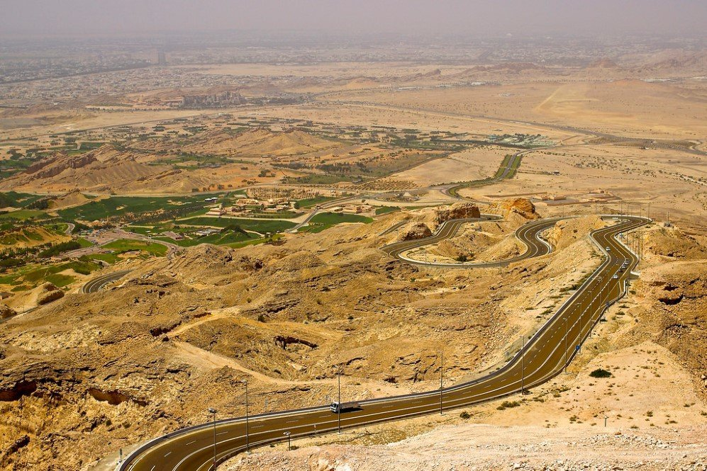 Jebel Hafeet Mountain Road, UAE (1)