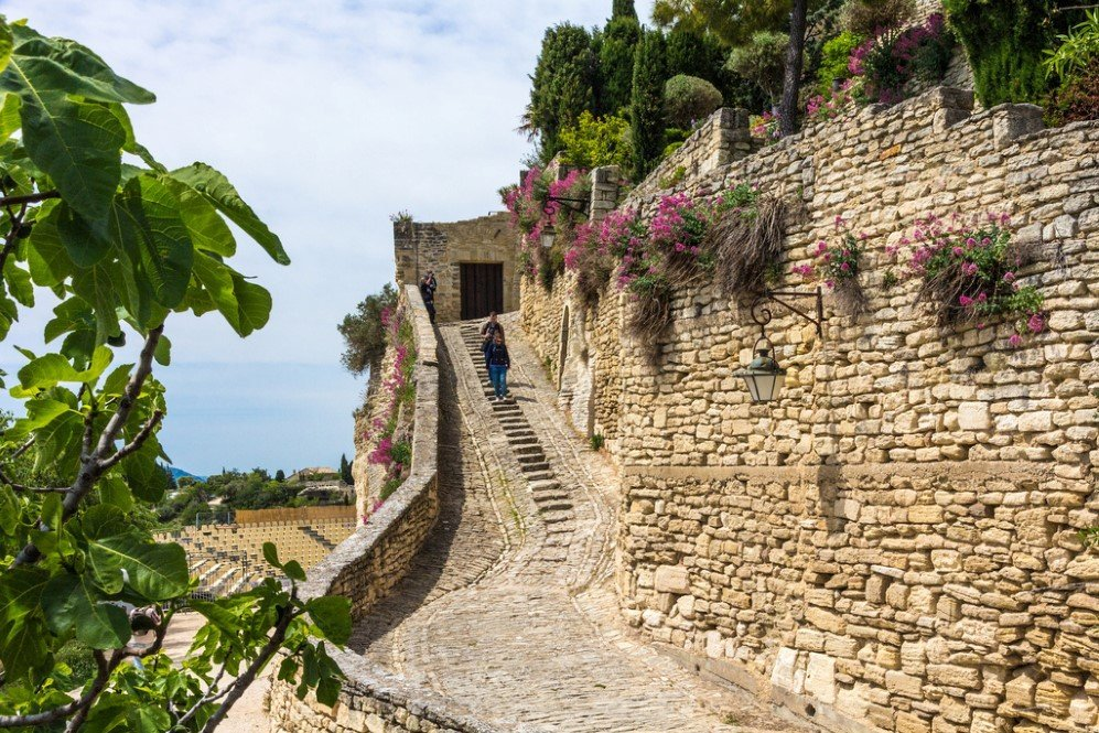 Gordes, Provence, France (2)