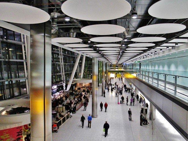 London Heathrow Airport (LHR) (1)