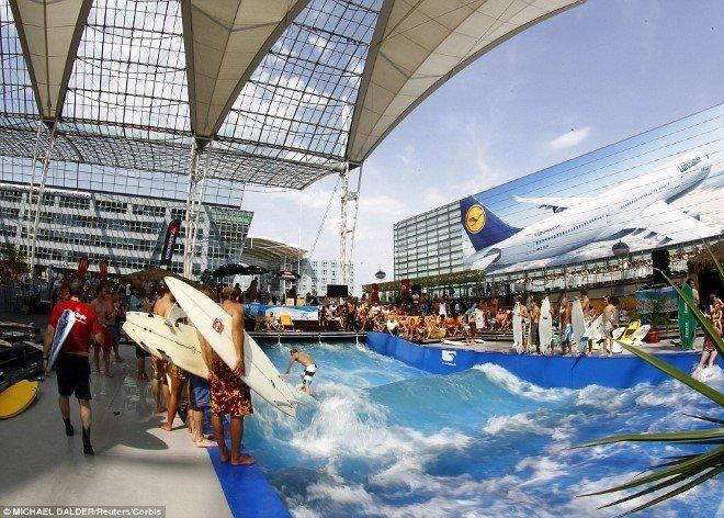 Munich Airport (MUC) (1)