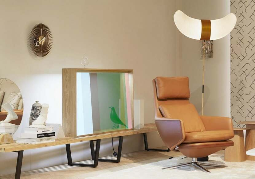 Panasonic Vitra Transparent OLED Display