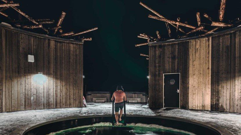 Floating Arctic Bath Hotel Sweden