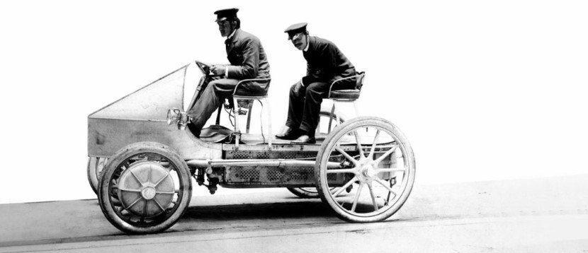 Hybrid Cars - Lohner Porsce